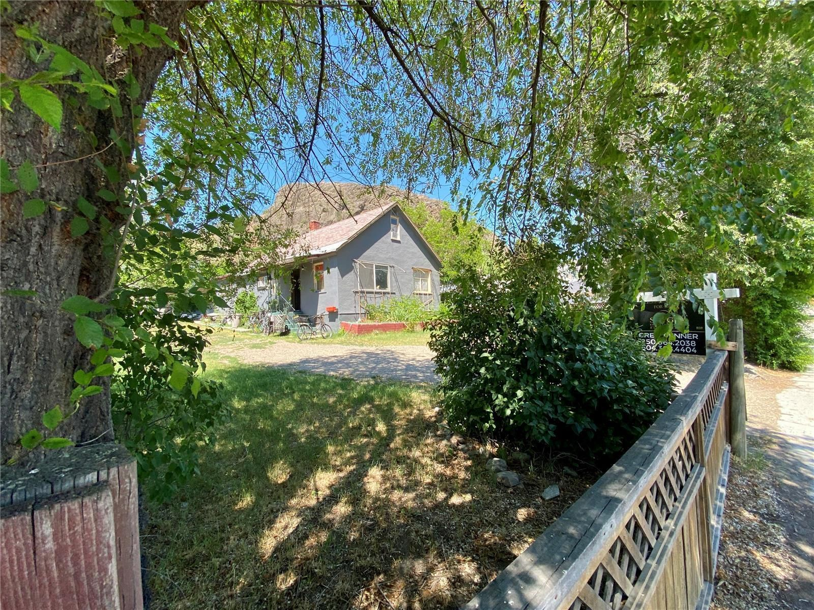 Main Photo: 4005 30 Avenue, in Vernon: House for sale : MLS®# 10235176