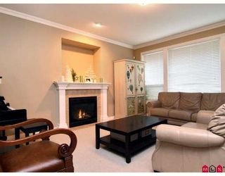"""Photo 3: 3384 BLOSSOM Court in Abbotsford: Abbotsford East House for sale in """"THE HIGHLANDS"""" : MLS®# F2828575"""