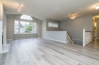 """Photo 3: 35286 BELANGER Drive in Abbotsford: Abbotsford East House for sale in """"HOLLYHOCK RIDGE"""" : MLS®# R2534545"""