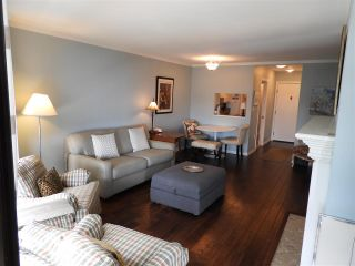 """Photo 4: 503 15111 RUSSELL Avenue: White Rock Condo for sale in """"Pacific Terrace"""" (South Surrey White Rock)  : MLS®# R2576194"""