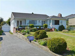 Photo 1:  in VICTORIA: OB Henderson House for sale (Oak Bay)  : MLS®# 606914