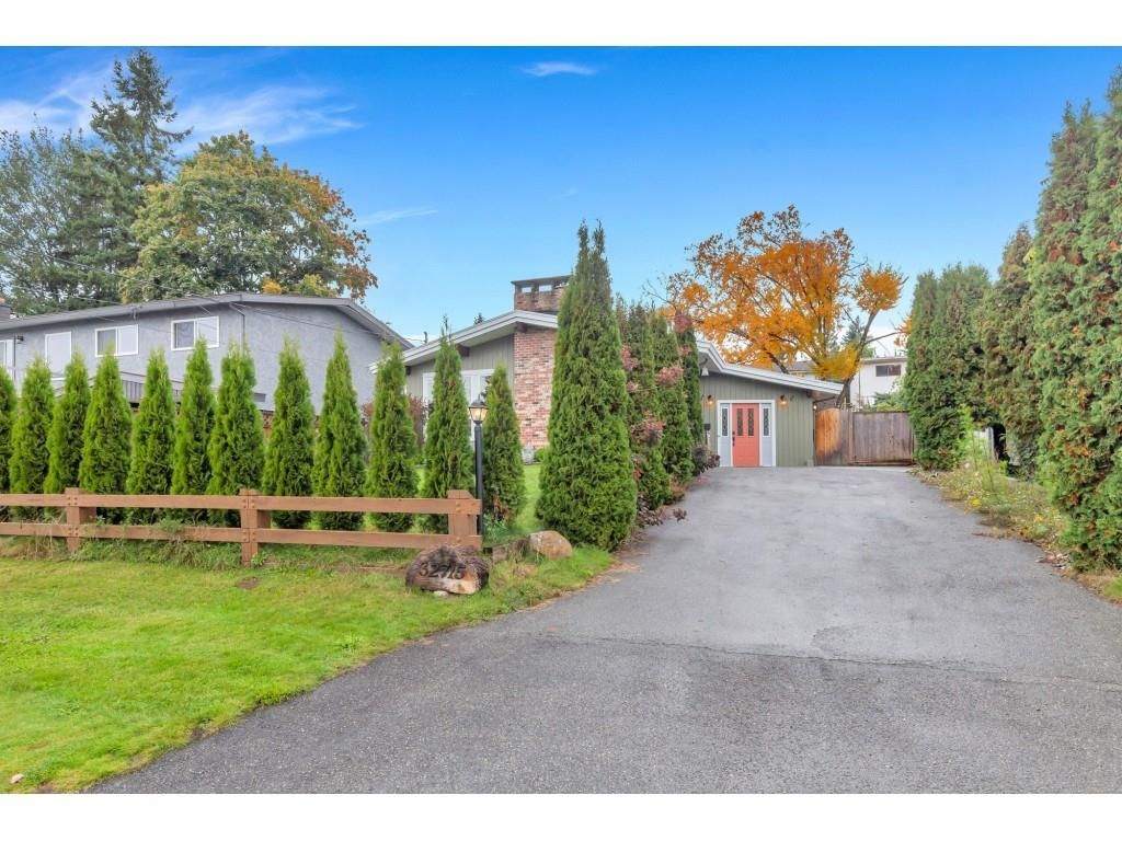 Main Photo: 32715 CRANE Avenue in Mission: Mission BC House for sale : MLS®# R2625904