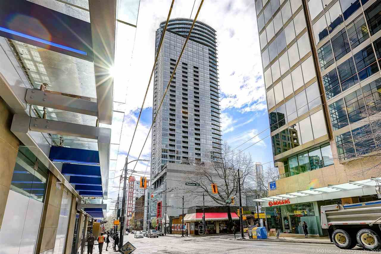 "Main Photo: 1708 833 SEYMOUR Street in Vancouver: Downtown VW Condo for sale in ""Capitol Residences"" (Vancouver West)  : MLS®# R2445465"