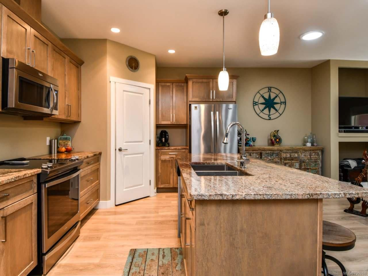 Photo 4: Photos: 11 301 Arizona Dr in CAMPBELL RIVER: CR Willow Point Half Duplex for sale (Campbell River)  : MLS®# 799288