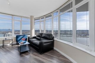Photo 2: 3002 888 CARNARVON Street in New Westminster: Downtown NW Condo for sale : MLS®# R2551239