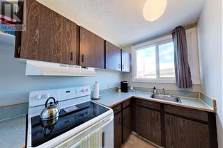 Photo 3: 31, 608 Main  Street NW in Slave Lake: Condo for sale : MLS®# A1095222