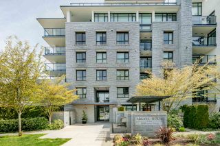 """Photo 1: 404 5958 IONA Drive in Vancouver: University VW Condo for sale in """"ARGYLL HOUSE EAST"""" (Vancouver West)  : MLS®# R2363675"""