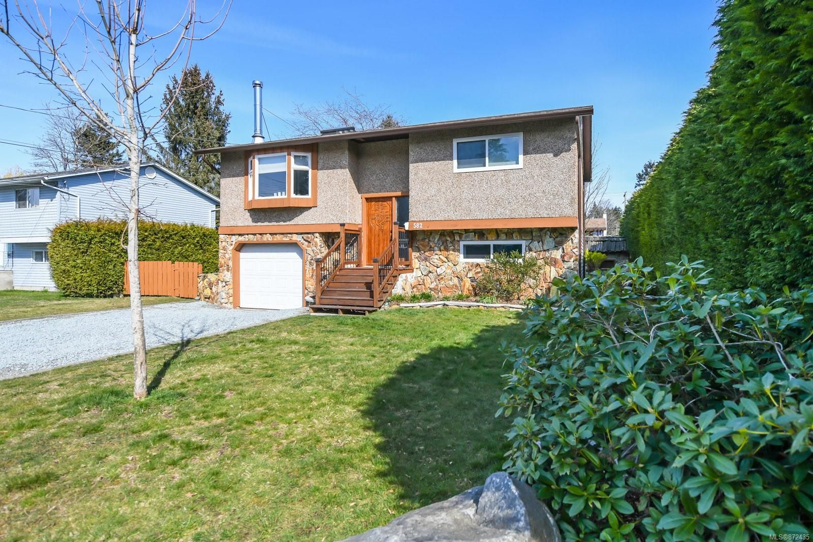 Main Photo: 582 Salish St in : CV Comox (Town of) House for sale (Comox Valley)  : MLS®# 872435