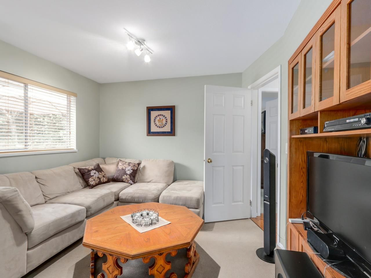 """Photo 5: Photos: 2559 BLUEBELL Avenue in Coquitlam: Summitt View House for sale in """"SUMMITT VIEW"""" : MLS®# R2064204"""