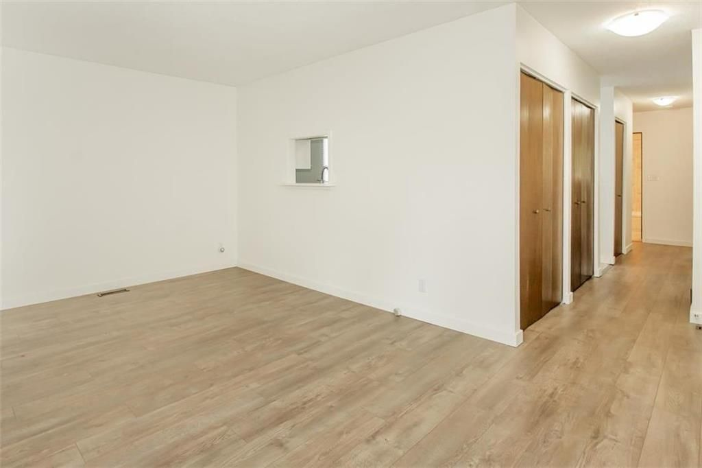Photo 4: Photos: 31 Lamirande Place in Winnipeg: Richmond Lakes Residential for sale (1Q)  : MLS®# 202119515