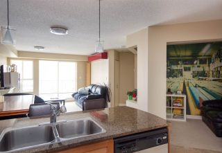 "Photo 12: 304 19673 MEADOW GARDENS Way in Pitt Meadows: North Meadows PI Condo for sale in ""THE FAIRWAYS"" : MLS®# R2148787"