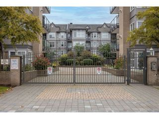 "Photo 3: 405 20200 56 Avenue in Langley: Langley City Condo for sale in ""The Bentley"" : MLS®# R2530044"