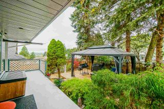"""Photo 30: 18055 64 Avenue in Surrey: Cloverdale BC House for sale in """"CLOVERDALE"""" (Cloverdale)  : MLS®# R2572138"""