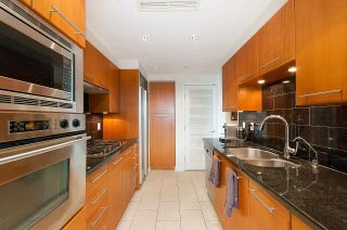 """Photo 13: 607 323 JERVIS Street in Vancouver: Coal Harbour Condo for sale in """"ESCALA"""" (Vancouver West)  : MLS®# R2593868"""