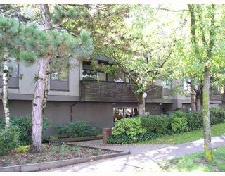 """Photo 1: 102 1202 LONDON Street in New_Westminster: West End NW Condo for sale in """"LONDON PLACE"""" (New Westminster)  : MLS®# V673769"""