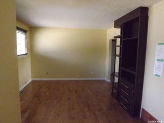 Photo 5: 734 Henry Street in Estevan: Hillside Residential for sale : MLS®# SK828343