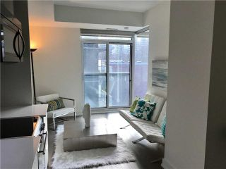 Photo 2: 6 Parkwood Ave Unit #401 in Toronto: Forest Hill South Condo for sale (Toronto C03)  : MLS®# C3770111
