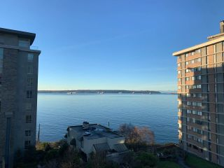 """Photo 3: 605 2135 ARGYLE Avenue in West Vancouver: Dundarave Condo for sale in """"The Crescent"""" : MLS®# R2604356"""