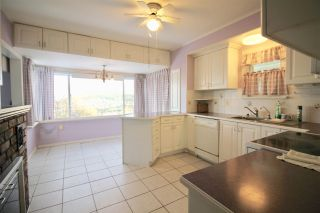 Photo 9: 204 N ELLESMERE Avenue in Burnaby: Capitol Hill BN House for sale (Burnaby North)  : MLS®# R2353002