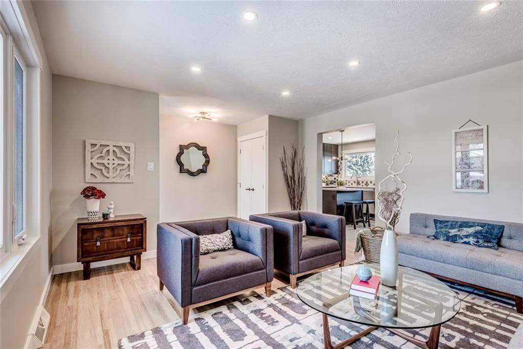 Main Photo: 7412 FARRELL Road SE in Calgary: Fairview Detached for sale : MLS®# A1062617