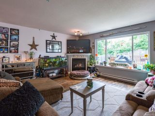 Photo 4: 2731 Rydal Ave in CUMBERLAND: CV Cumberland House for sale (Comox Valley)  : MLS®# 842765