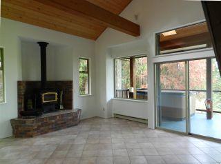 Photo 7: 10015 WESCAN ROAD in Halfmoon Bay: Halfmn Bay Secret Cv Redroofs House for sale (Sunshine Coast)  : MLS®# R2343392