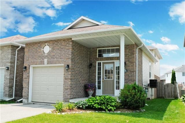 Main Photo: 103 Daiseyfield Avenue in Clarington: Courtice House (Backsplit 4) for sale : MLS®# E3256555