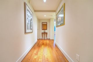 """Photo 3: 404 499 BROUGHTON Street in Vancouver: Coal Harbour Condo for sale in """"The Denia Waterfront Place"""" (Vancouver West)  : MLS®# R2260501"""