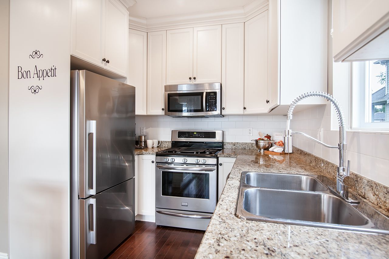 """Photo 10: Photos: 2907 152A Street in Surrey: King George Corridor House for sale in """"SOUTHPOINT ESTATES"""" (South Surrey White Rock)  : MLS®# R2278623"""