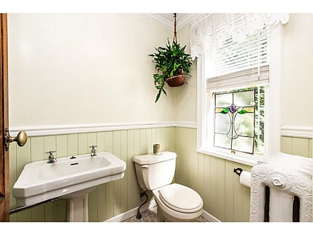 """Photo 13: Photos: 402 SIXTH Avenue in New Westminster: Queens Park House for sale in """"QUEEN'S PARK"""" : MLS®# V1083749"""
