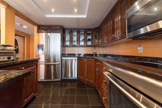 """Photo 5: 2102 4350 BERESFORD Street in Burnaby: Metrotown Condo for sale in """"CARLTON ON THE PARK"""" (Burnaby South)  : MLS®# R2542604"""