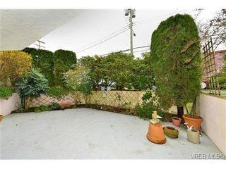 Photo 2: 101 1031 Burdett Ave in VICTORIA: Vi Downtown Condo for sale (Victoria)  : MLS®# 723639