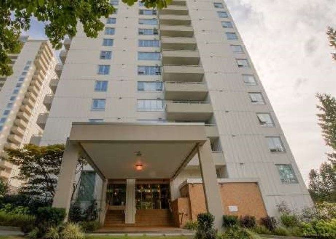 """Main Photo: 1507 5645 BARKER Avenue in Burnaby: Central Park BS Condo for sale in """"Central Park Place"""" (Burnaby South)  : MLS®# R2465224"""