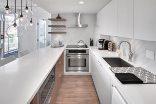 """Photo 3: 1602 1500 HOWE Street in Vancouver: Yaletown Condo for sale in """"THE DISCOVERY"""" (Vancouver West)  : MLS®# R2101112"""