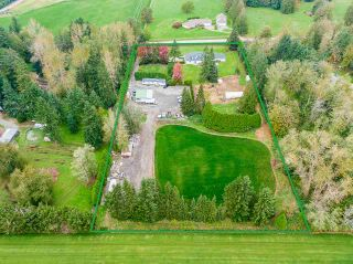 Photo 2: 24114 80 Avenue in Langley: County Line Glen Valley House for sale : MLS®# R2516295