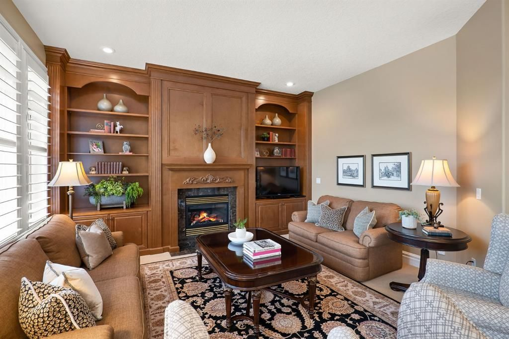 Photo 17: Photos: 15 Lynx Meadows Drive NW: Calgary Detached for sale : MLS®# A1139904