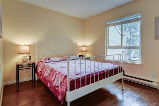 """Photo 7: 3449 WEYMOOR Place in Vancouver: Champlain Heights Townhouse for sale in """"MOORPARK"""" (Vancouver East)  : MLS®# R2168309"""
