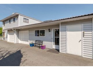 Photo 2: 2 45384 HODGINS Avenue in Chilliwack: Chilliwack W Young-Well Townhouse for sale : MLS®# R2263518