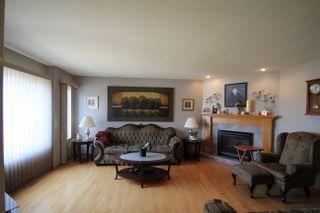 Photo 3: 5710 47 Avenue: St. Paul Town House for sale : MLS®# E4263037
