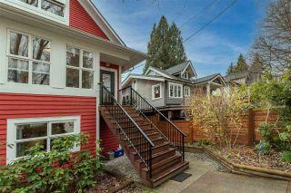 Photo 2: 968 E 15TH Avenue in Vancouver: Mount Pleasant VE 1/2 Duplex for sale (Vancouver East)  : MLS®# R2554475