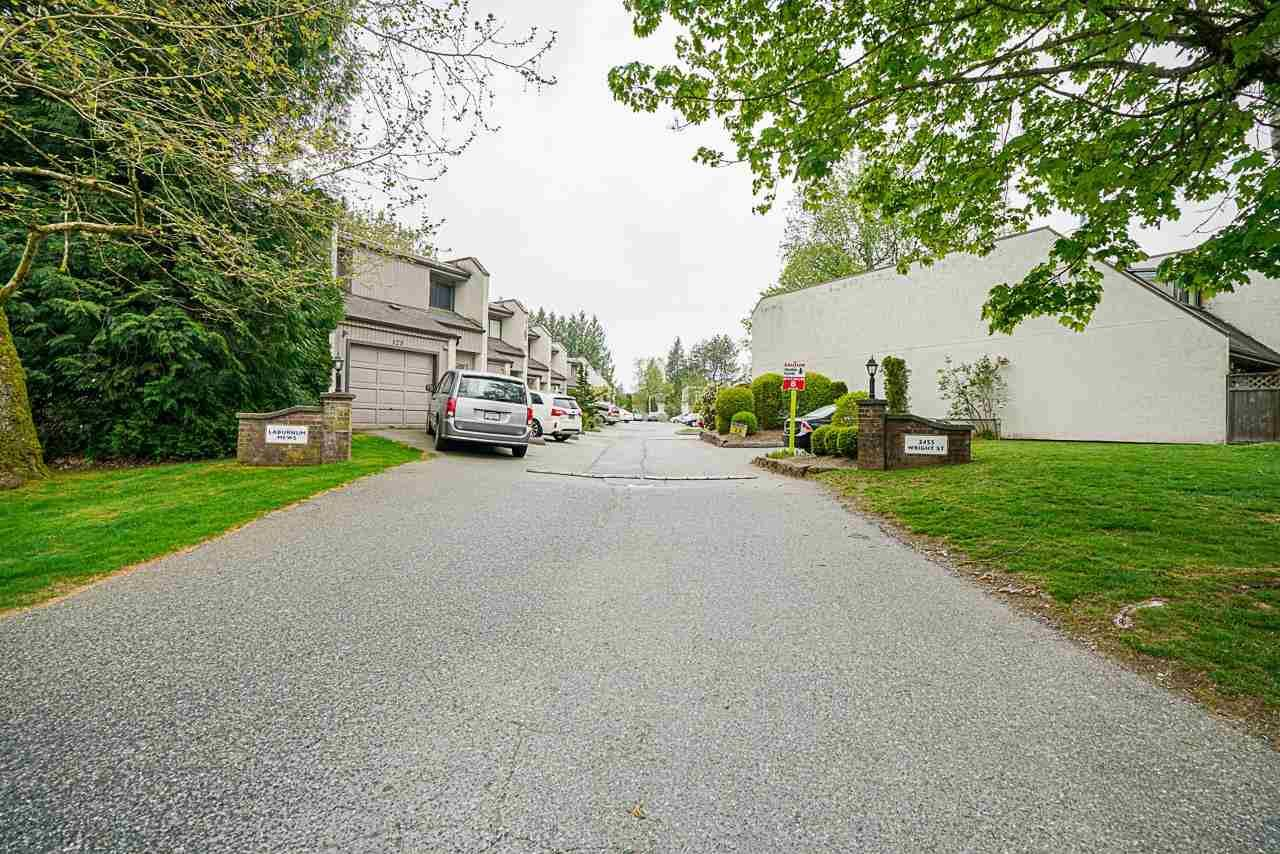 """Main Photo: 101 3455 WRIGHT Street in Abbotsford: Abbotsford East Townhouse for sale in """"Laburnum Mews"""" : MLS®# R2574477"""