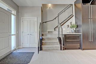 Photo 4: 3454 19 Avenue SW in Calgary: Killarney/Glengarry Row/Townhouse for sale : MLS®# C4203649