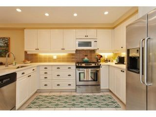 Photo 4: # 402 1725 128TH ST in Surrey: Crescent Bch Ocean Pk. Condo for sale (South Surrey White Rock)  : MLS®# F1441077