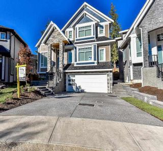 Photo 1: 18063 66A AVENUE in Surrey: Cloverdale BC House for sale (Cloverdale)  : MLS®# R2095970