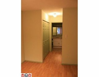 """Photo 8: 101 32098 GEORGE FERGUSON Way in Abbotsford: Abbotsford West Condo for sale in """"Heather Court"""" : MLS®# F1001149"""