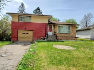 Photo 3: 11 Holly Street in Pine Falls: R28 Residential for sale : MLS®# 202028767
