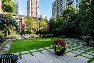"""Photo 22: 1308 909 MAINLAND Street in Vancouver: Yaletown Condo for sale in """"Yaletown Park 2"""" (Vancouver West)  : MLS®# R2590725"""