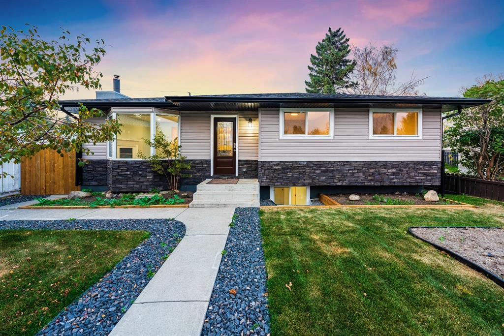 Main Photo: 820 Avonlea Place SE in Calgary: Acadia Detached for sale : MLS®# A1153045