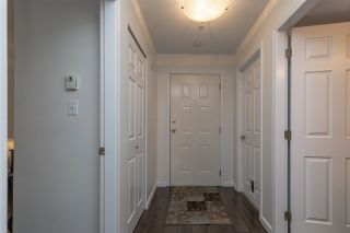 """Photo 3: 302 2526 LAKEVIEW Crescent in Abbotsford: Central Abbotsford Condo for sale in """"MILL SPRING MANOR"""" : MLS®# R2519449"""