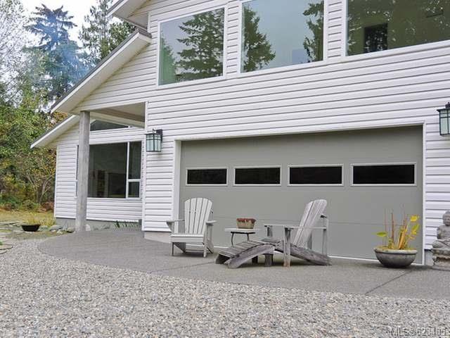 Main Photo: 6633 RENNIE ROAD in COURTENAY: Z2 Courtenay North House for sale (Zone 2 - Comox Valley)  : MLS®# 623485